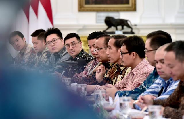 Di Depan Pengusaha, Jokowi Mengeluh Ekonomi