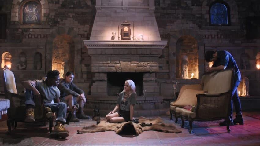 Рецензия на фильм «Урод в замке» (2020) - ужасный ремейк хоррора Стюарта Гордона - 02