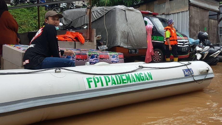 Polisi Buka Suara Soal Foto Perahu Karet Berlogo FPI Dipakai Aparat Bantu Banjir
