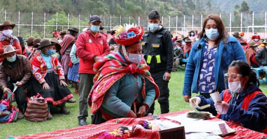 BONO YANAPAY PERÚ: Carritos pagadores llevan subvención a usuarios de Pensión 65 de Cusco