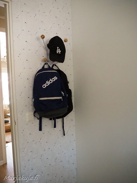pojan huone pelihuone koululainen pelikone tapetti maali