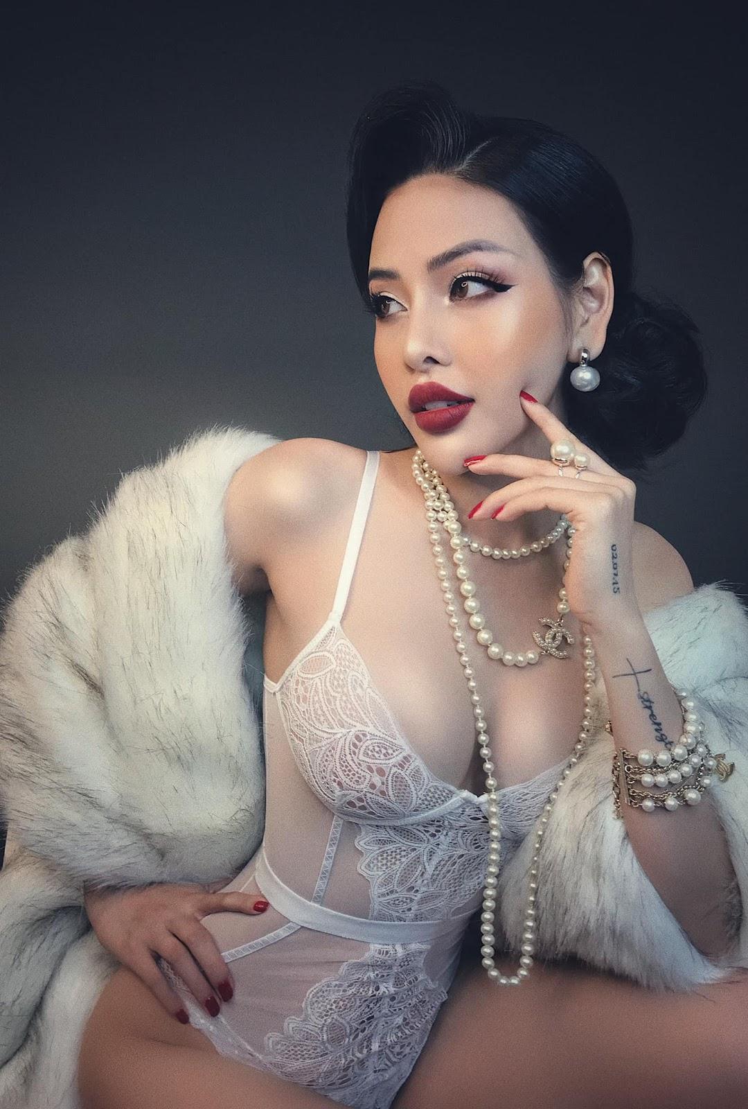Trần Mai Hương Diện đồ ren quyến rũ khó tả