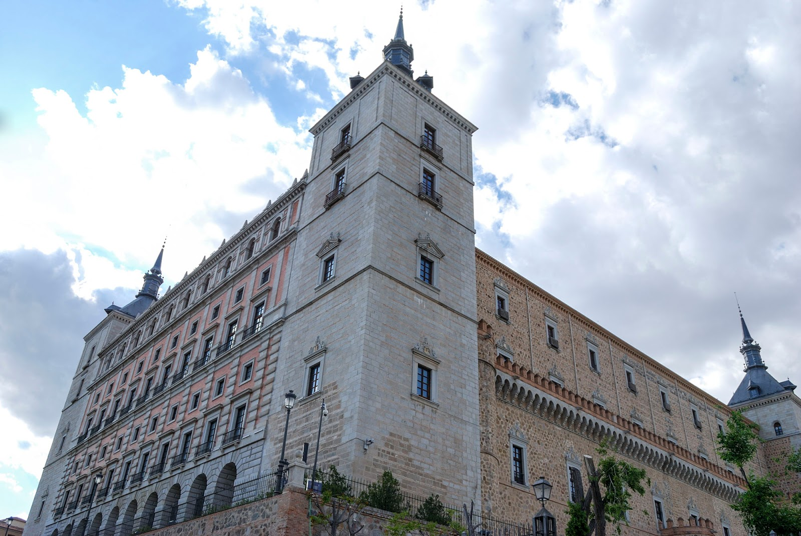 fortress palace alcazar toledo spain landmark history travel guide tourism day trip itinerary