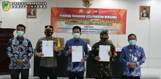 """Penandatangan MOU Pembentukan Desa Pantang Mundur """"LEWU ISEN MULANG"""""""