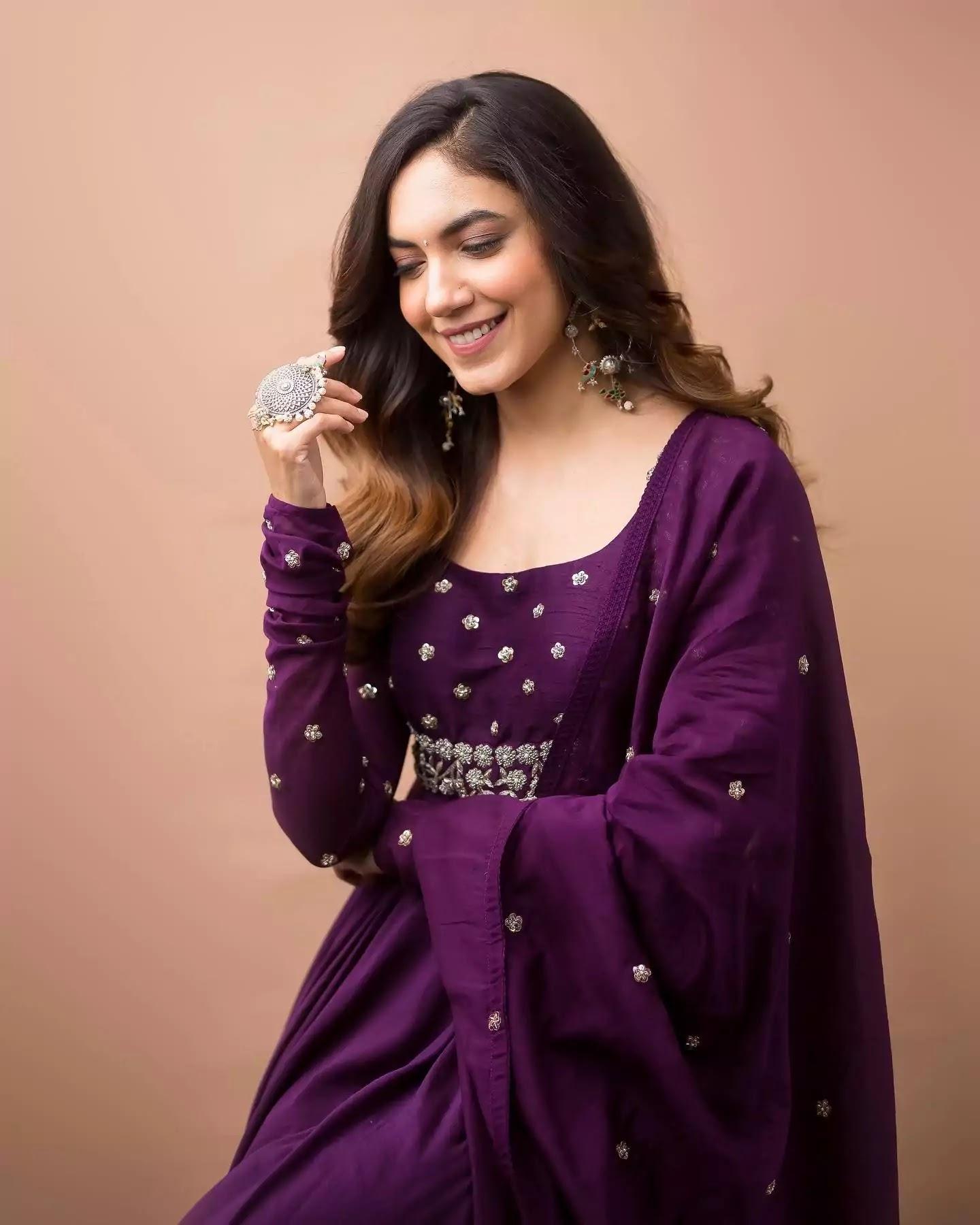 Ritu-Varma-in-purple-anarkali-dress-at-Tuck-jagadish-movie-promotion-event