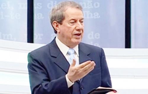 Missionário televisivo RR Soares é internado com covid-19