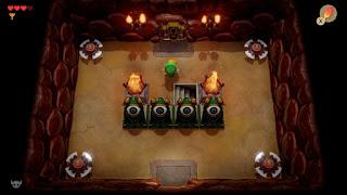 Link standing in front of Moldorm's lair in Hero Mode