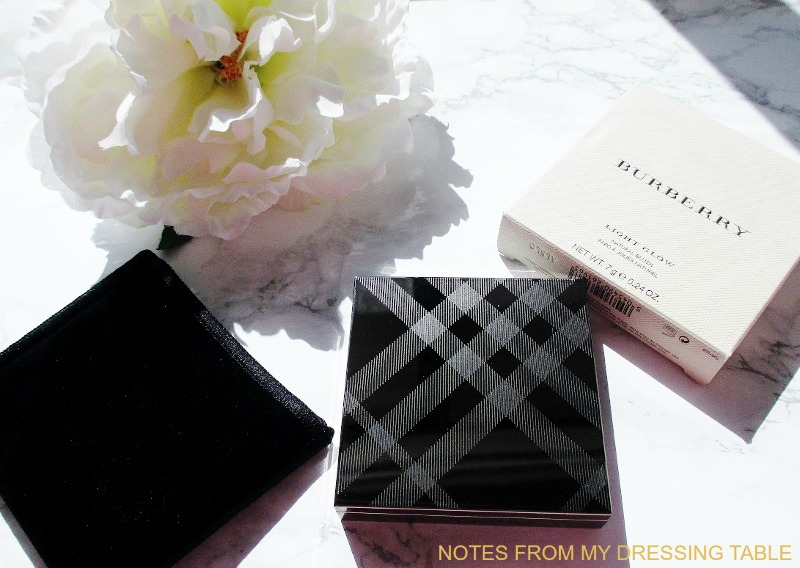 burberry-light-glow-blush-peony