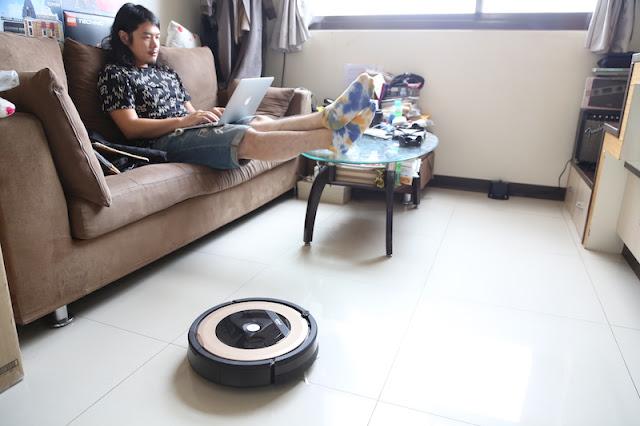 iRobot Roomba 895 掃地機器人:WiFi 雲端功能+iRobot HOME App
