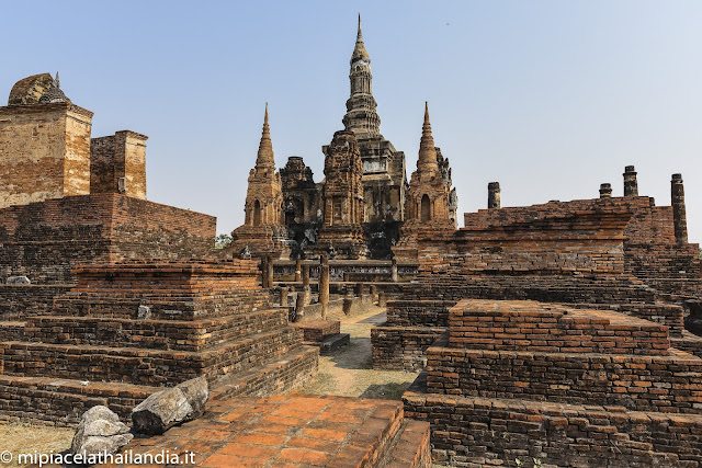 Wat Mahathat, Sukhothai - view from south