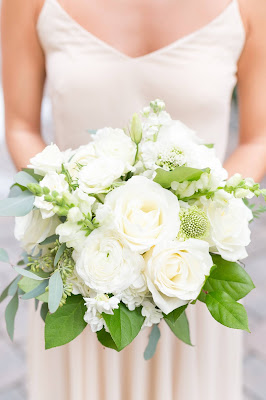white and green bridesmaids bouquet
