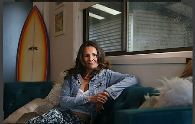 """"""" I Was Kidnapped and Raped Every Night For two Months on Houseboat by A Kashmiri, Writes Australian Surfer Carmen Greentree """" I New Delhi Cables"""