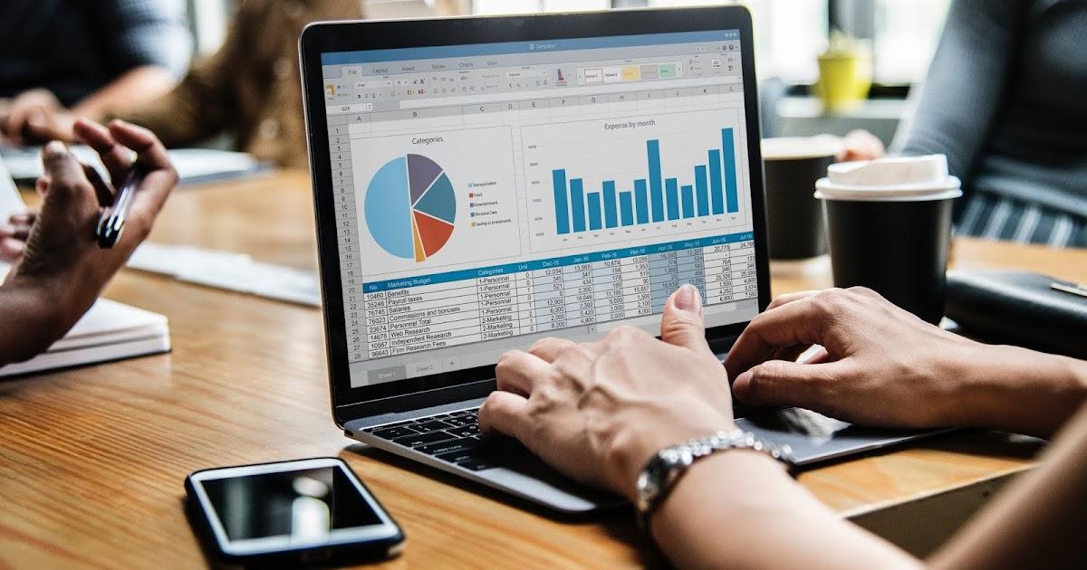 Akuntansi manajemen adalah kegiatan atau proses, yang menghasilkan informasi keuangan, bagi manajemen perusahaan. AKUNTANSI BIAYA : LENGKAP METODE PENCATATAN HARGA POKOK