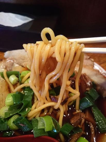 ストレートの太麺の写真