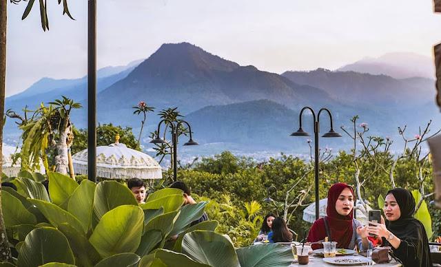 Cafe Monstera Batu Malang