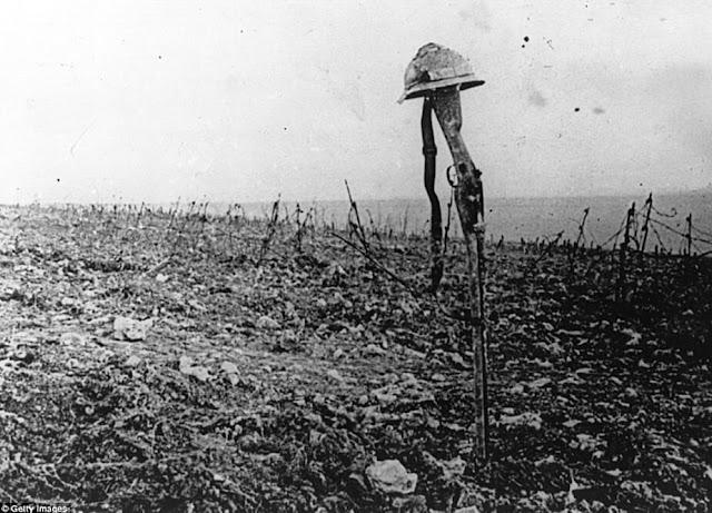 Κατεστραμμένη γη, τα ερείπια του πρώτου παγκοσμίου πολέμου / No Man's Land during WWI