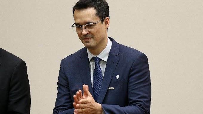 Renan Calheiros diz que Deltan saiu da Lava Jato 'pelos fundos'
