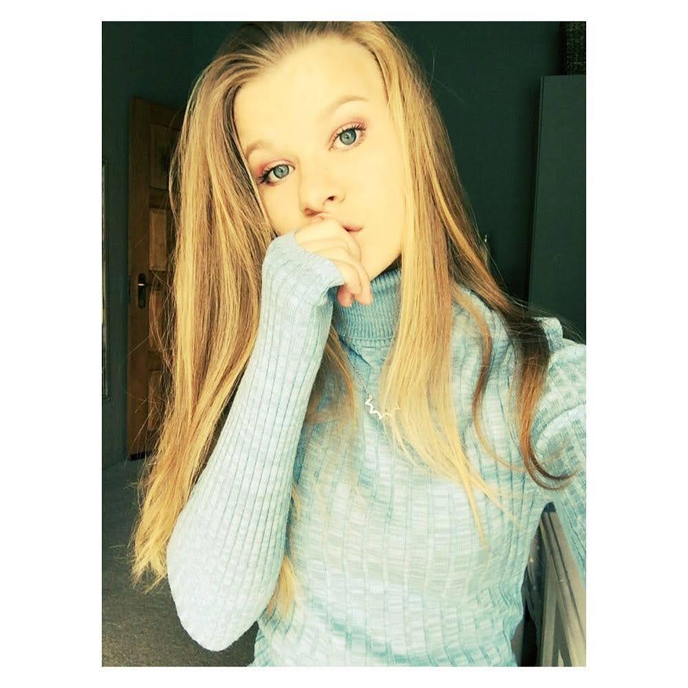 Kayla Holst 12