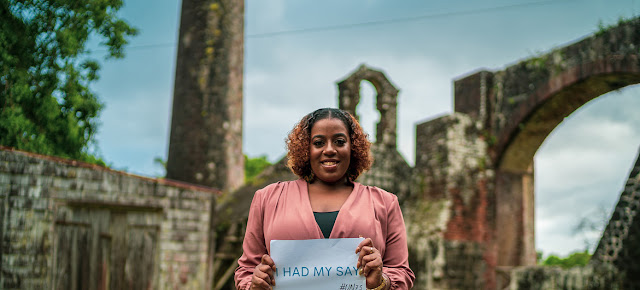 Una mujer de Sain Kitts y Nevis, en el Caribe, completó la encuesta ONU 75.ONU Caribe