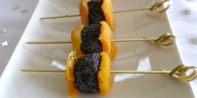 Perfect Foie gras balls with poppy seeds and dried apricots Recipe