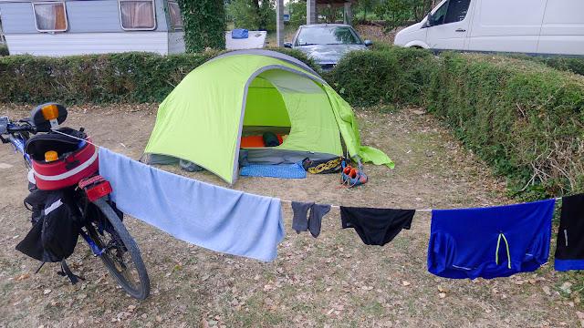De Paris à Narbonne en vélo, Camping