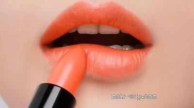 كيفية تطبيق احمر شفاه برتقالي
