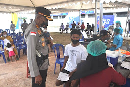 Untung Sangaji Tinjau Vaksinasi di Venue Balap Motor Keco Distrik Tanah Miring