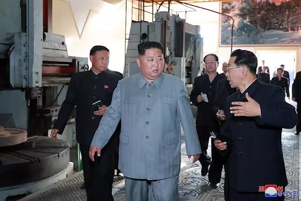 Kim Jong Un at Jangjagang Machine Tool Factory, KCNA June 1, 2019