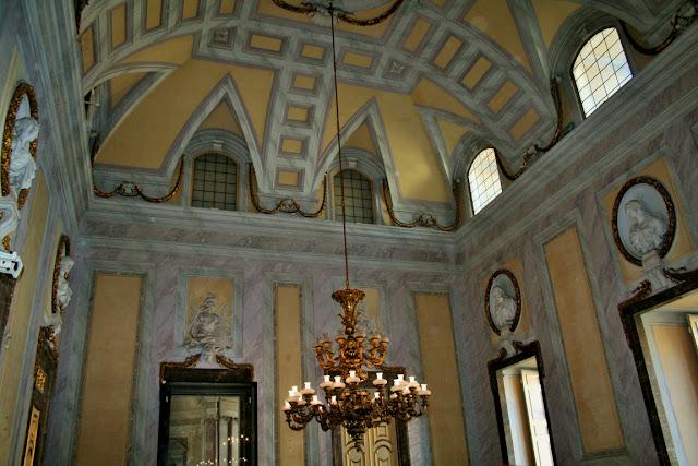 palazzo reale, stanze, lampadario