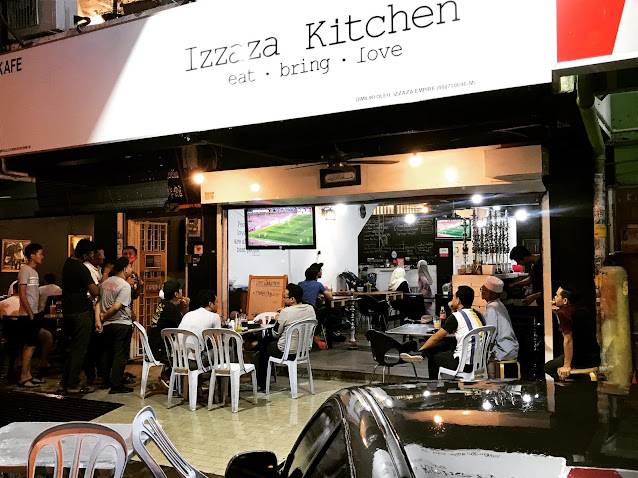 Izzaza Kitchen, SS15