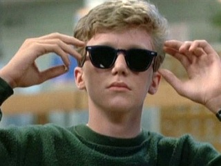 Brian wearing Ray-Bans in The Breakfast Club