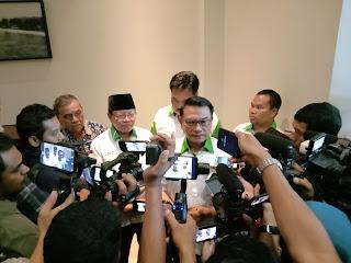 Ketua DPN HKTI Moeldoko saat diwawancarai wartawan