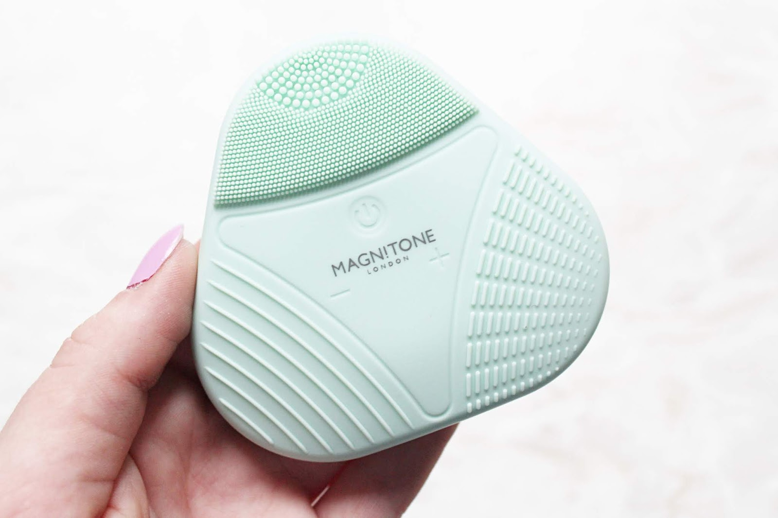 Magnitone Xoxo Silicone Cleansing Brush Review