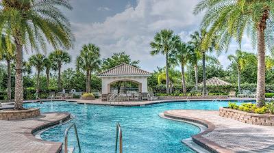 3 kolam renang untuk umum