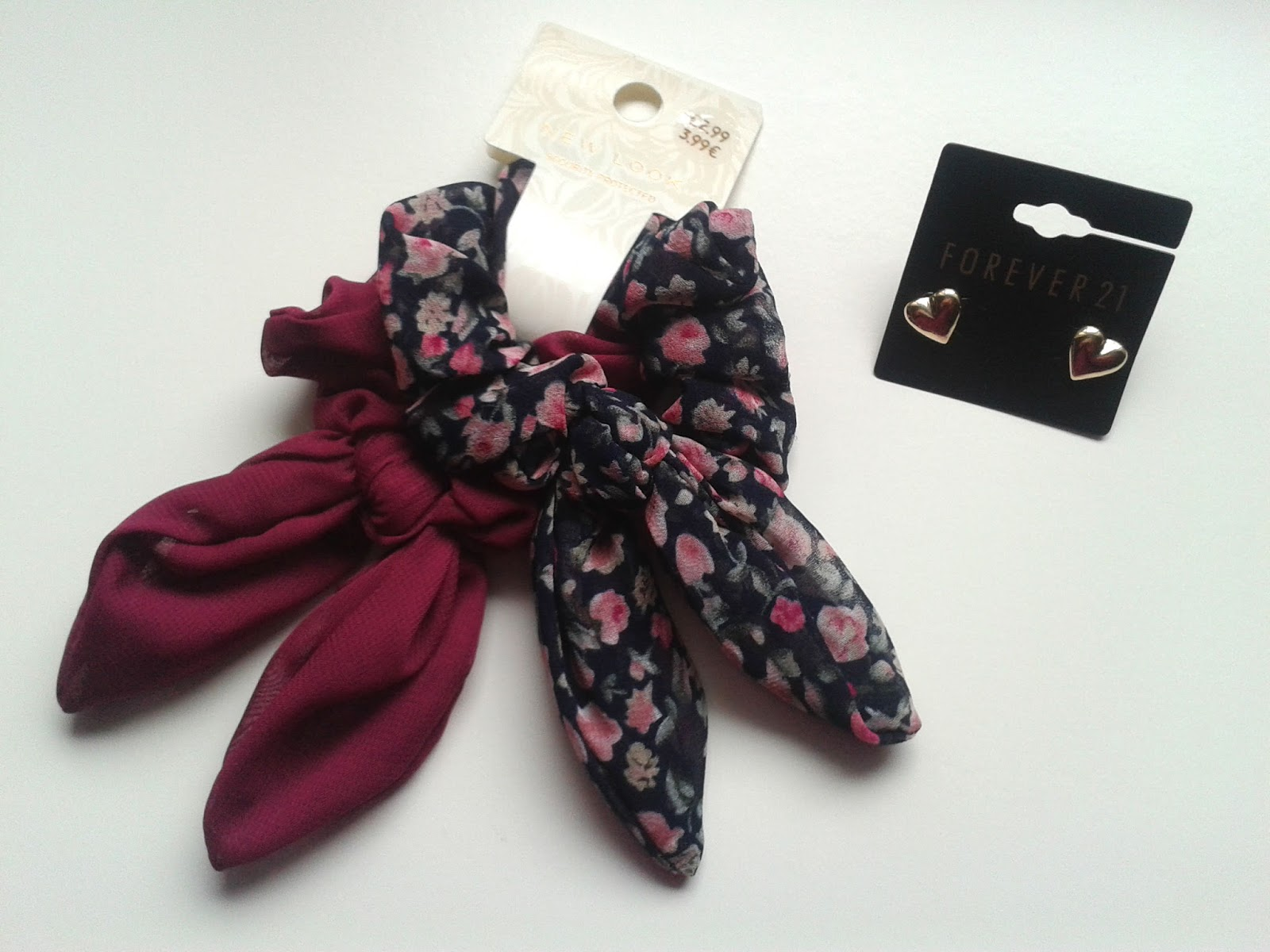 New Look Bow Hair Scrunchies Forever 21 Heart Stud Set