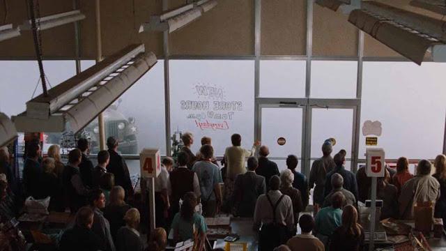 أفلام الغرف المغلقة.. مجموعة أفلام دارت أحداثها في مكان واحد فقط The Mist 2007