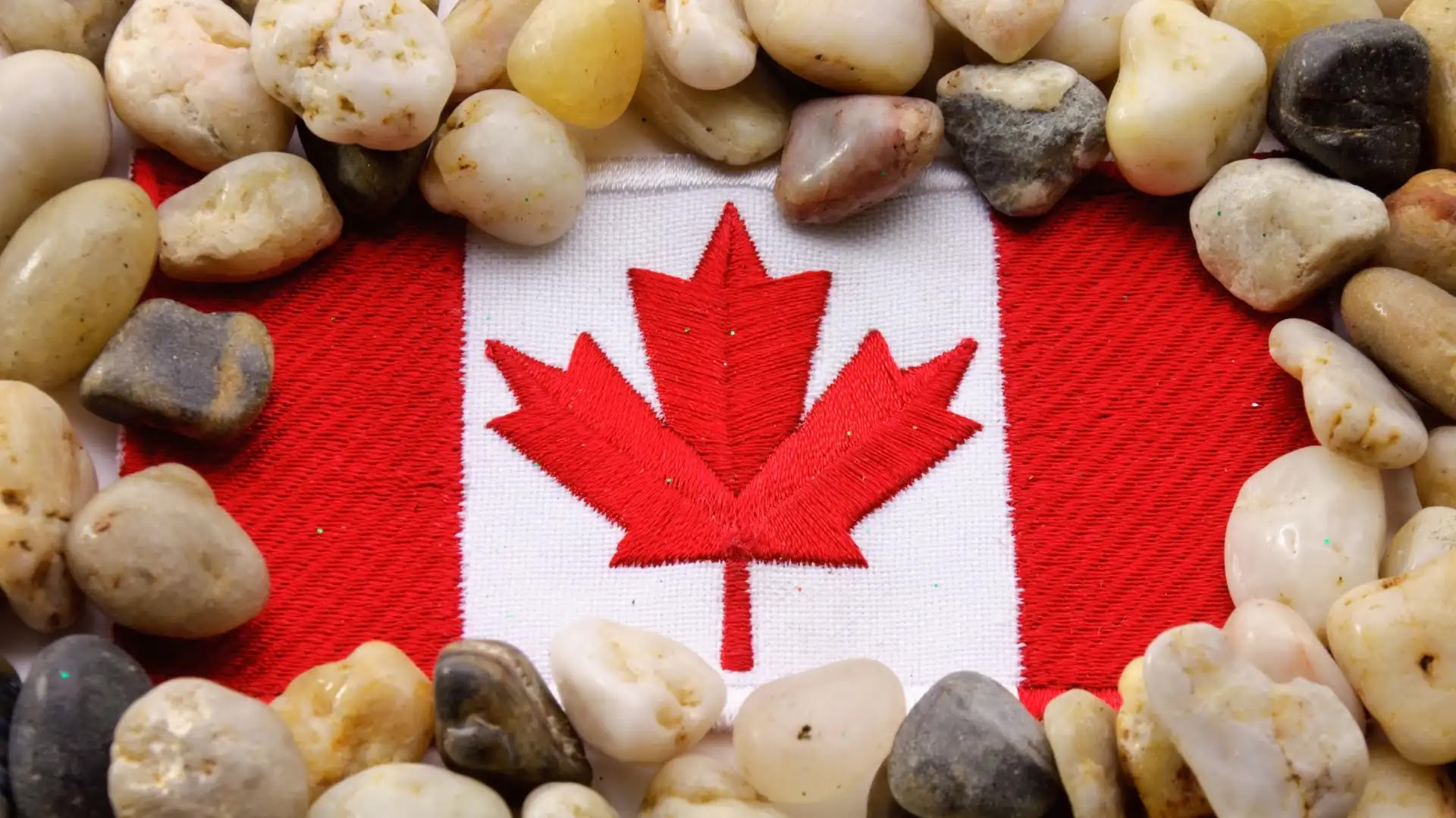 Pic of Canada flag high resolution