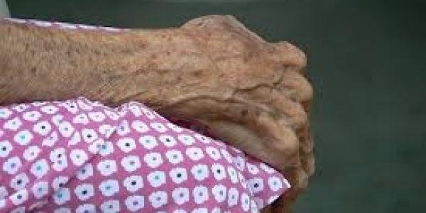 Resultado de imagen para APRESAN ANCIANA DE 87 AÑOS