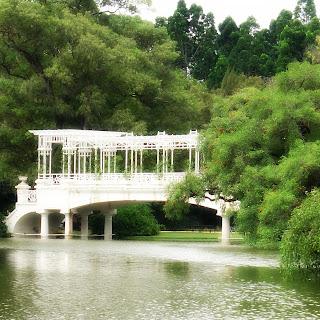 A Belíssima Ponte Grega, no Rosedal, em Buenos Aires