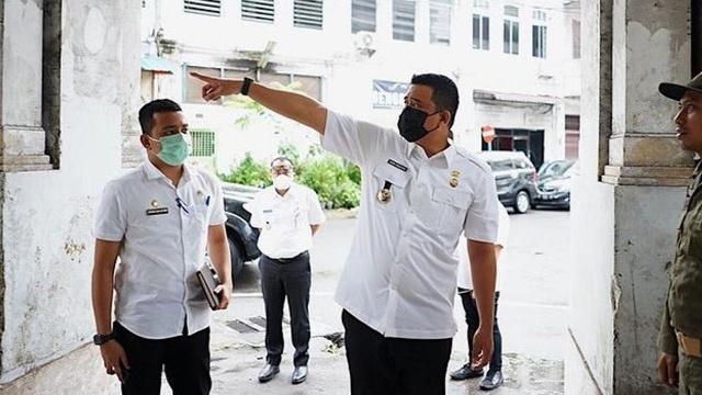 Gagal Tanggulangi COVID-19, Menantu Jokowi Copot Kepala Dinas Kesehatan Medan