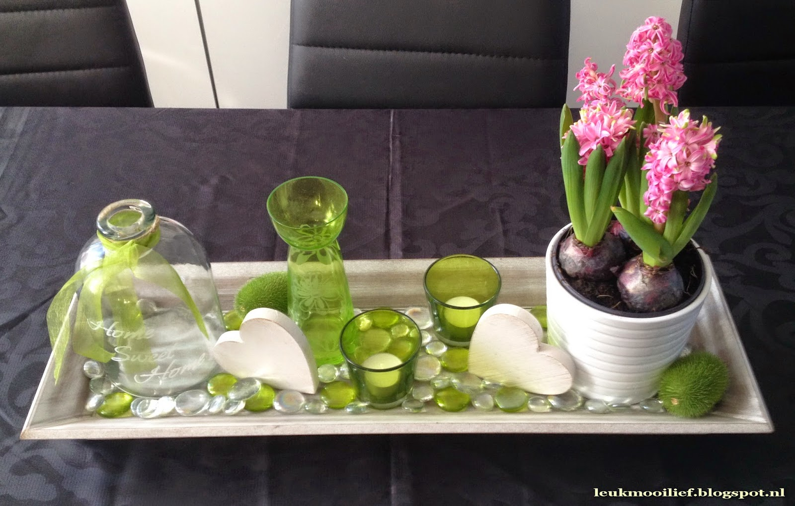 Leuk mooi lief houten schaal met hyacinten for Decoratie op dressoir