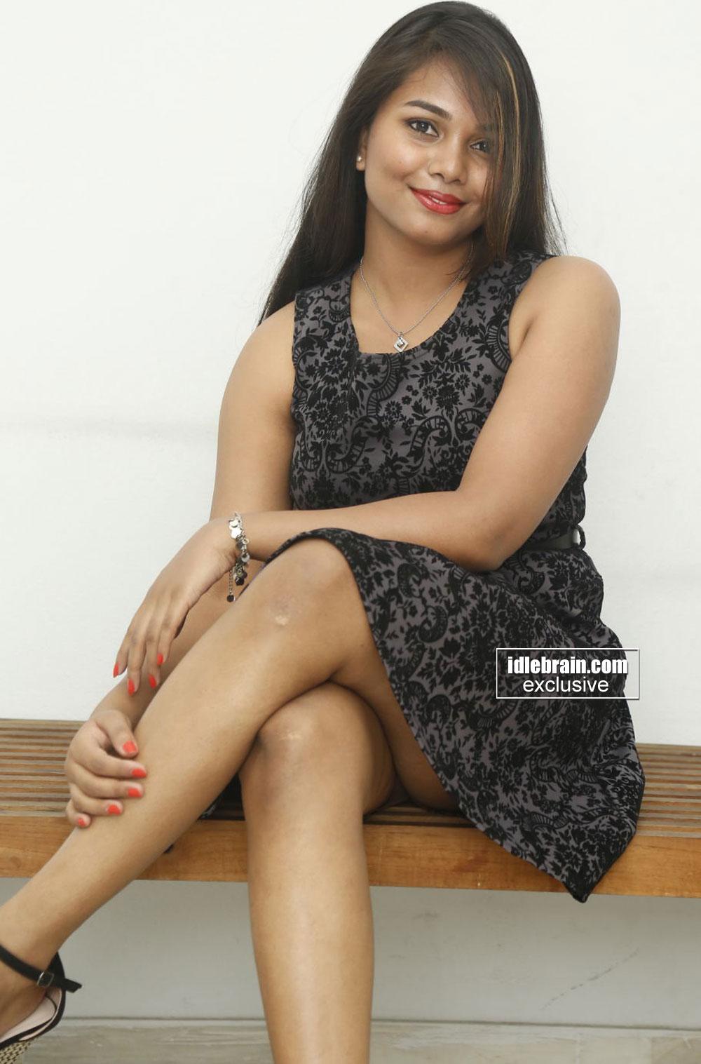 indian actress thigh pics