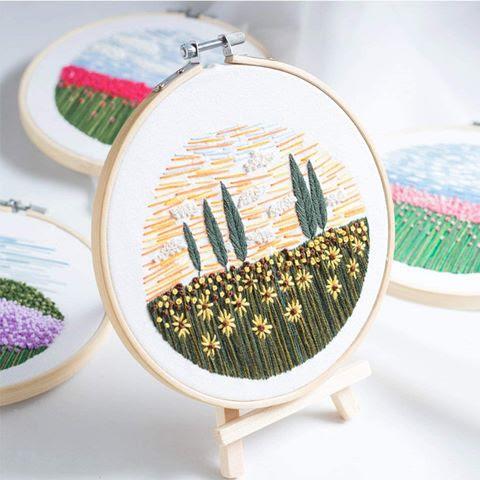 Hình thêu cánh đồng hoa hướng dương