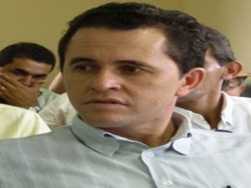 Justiça determina prosseguimento de ação contra ex-prefeito de Livramento por contratação de empres