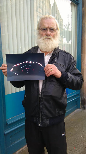 John-Macdonald-shows-an-image-of-the-UFO-which-he-witnessed
