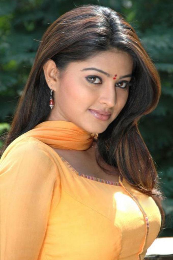 Actress Sneha Nude 40