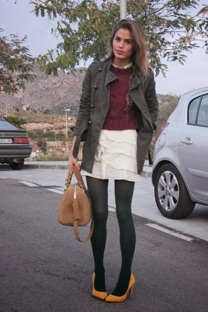 6cb7105941 Y quien dijo que no se pueda innovar con una falda blanca. Un sweater de  Stella McCartney oversize