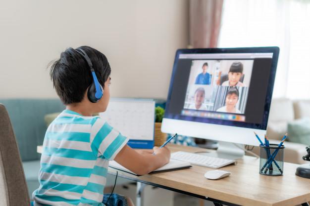 Tips Agar Siswa Tidak Bosan Belajar di Rumah