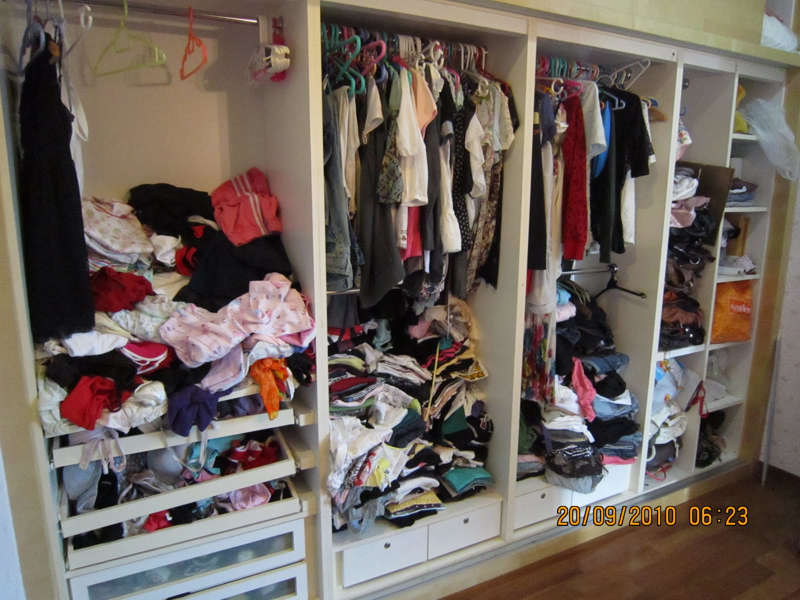 To Show That Fact Ive Decided You Some Examples Of Really Messy Wardrobes I Found On The Internet Lol