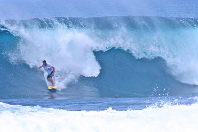 siargao surfing big waves philippines surfer